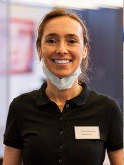 Henneman Ven Hees Orthodontisten - Oosterhout - Mathildastraat 10 HC, Oosterhout, 4901,  0