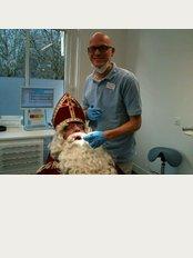 Dental Clinics Nederland B.V. - Franse Kampweg 6, NW Bussum, 1406,