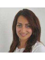Dr Ozge Abkher -  at Apollo Tandheelkunde