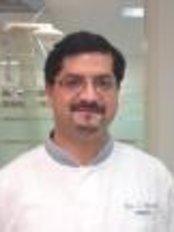 Dr Z. Akmal - Dentist at Anna Paulowna Tandartsenpraktijk