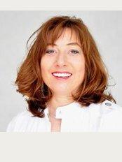 Smile Designer - Margaret of Hennebergweg 71, BE The Hague, 2552,
