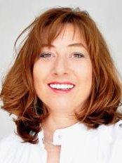 Smile Designer - Margaret of Hennebergweg 71, BE The Hague, 2552,  0
