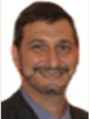 Clínica Dental Sofer - Dr José José