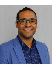 Dr JONATHAN CHANIS - Dentist at DENTAL WORKS