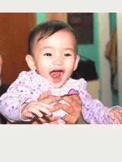 Teeth R Us Dentista Solidor - image