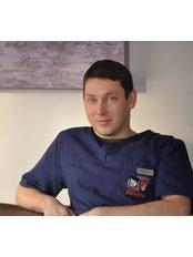 Dr Leszek Strózyk - Dentist at DentiCo