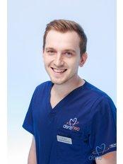 Dr Jacek Januszewski - Dentist at Dentineo