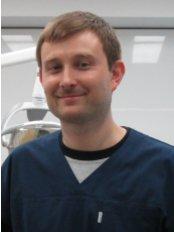 Dr. Maciej Koberda - Mundchirurg - Projekt Usmiech