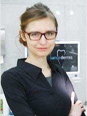 Sanus Dentes - Hryniewickiego 6c /12, Sea Towers, Gdynia, 81340,