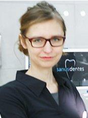 Sanus Dentes - Hryniewickiego 6c /12, Sea Towers, Gdynia, 81340,  0