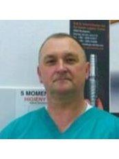 Dr Wojciech Rawicki -  at Zahnersatz Polen and Implantate Polen - Gryfice