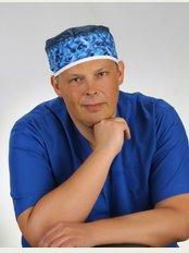 DENTAL Care & IMPLANT Center - 0048 511 973 000, Plac Matejki 2, City Center Krakow, Krakau,