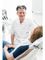 Implant treatment, Dentestetica - Oral Surgeon at Dentestetica