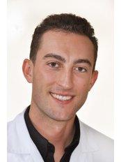 Orthodontic treatment, Invisalign, Dentestetica - Orthodontist at Dentestetica