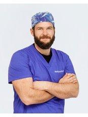 Dr Patryk Stepien - Dentist at Implantis Dental Clinic