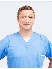 Dr Tomasz Marecik - Oral Surgeon at Implantis Dental Clinic