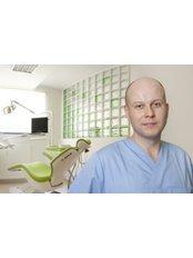Tomasz Bobek DDS - Principal Dentist at Indexmedica SA