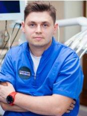 Dr Robert Wcislo - Dentist at Stomatologia Wcisło