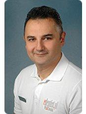 Dr Marek Tawakol - Dentist at Edentist.pl Wejt & Tawakol Klinika Stomatologiczna