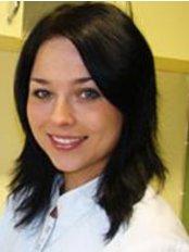 Dr Catherine Dobrylko - Dentist at Specjalistyczny Gabinet Dentystyczny Unident