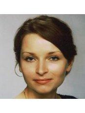 Dr. Sylwia Smolarek - Zahnärztin - Bellesa-Med