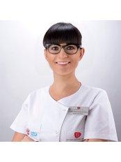 Dr. Marta Pawlowska - Zahnärztin - Silver Dental Clinic