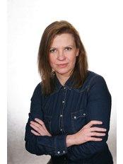 Dr. Katarzyna Drozdowska - Zahnärztin - Estetica Zahnklinik Breslau