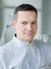 Dr. Piotr Bak - Zahnarzt - Dental Corner
