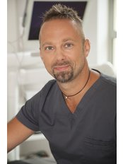 Dr Pawel Bernatek - Aesthetic Medicine Physician at Platinum