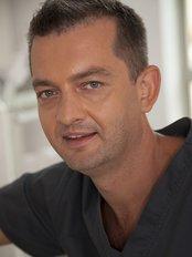 Dr Andrzej Warchlewski -  at Platinum