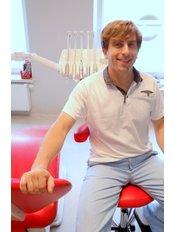 Dr Aleksander Wardas - Oral Surgeon at Romadent - Gabinety Stomatologiczne
