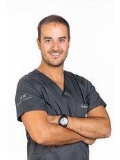 A&M Dental Clinic - Rua Camilo Castelo Branco, Edificio Poente da Aldeia, Loja 22, Albufeira, ALGARVE, 8200  276,  0
