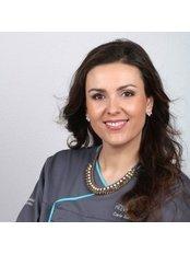 Carla  Pereira -  at Previdente Clinica Dentaria Unipessoal