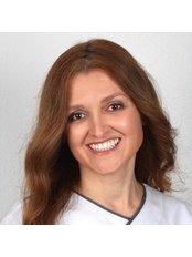 Dr Cristina Tavares - Dentist at Previdente Clinica Dentaria Unipessoal