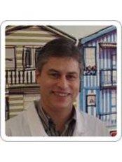 Dr Roberto Barreto Mendes - Dentist at Sorrir Faz Bem