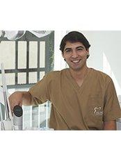 Dr Hugo Leao -  at Alinea Premium Oral Care