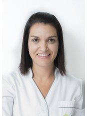 Dr Rosiana Tavares - Dentist at Clínica Dentária do Marquês