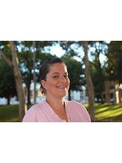 Lisa Gomes - Dental Auxiliary at Dentarmed Clínica Médica Dentária