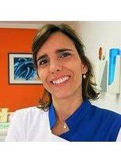 Dr Rita Santos Costa - Dentist at Nova Dentismed - Marquês de Pombal