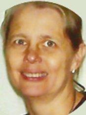 Dr Sandra Marx -  at Oral XXI - Clínica Médica Dentária