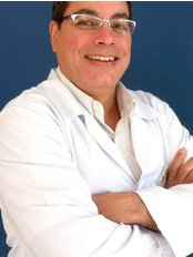 Dr Roberto Carlos Rodrigues - Dentist at Dr. Evaldo Rigolon Dental Clinic