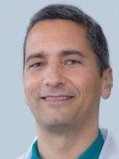 Dr Henrique Reis -  at Centro Medico Dentario-CUF Institute
