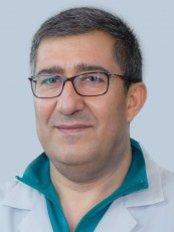 Dr Miguel Santana -  at Centro Medico Dentario-CUF Institute
