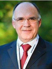 Dr. Adriano Figueiredo Lda - R. Soares dos Reis, Sala 5, Vila Nova de Gaia, 4430240,  0