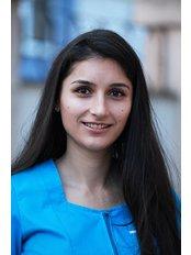 Dr Simona BOBERIS - Dentist at Clinica 32