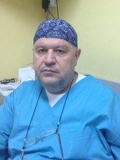 Dr Aiman Al Tanjir - Dentist at Stomasan Drumul Taberei