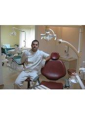 Dr Krisztian Orosz -  at Bote-San Clinique