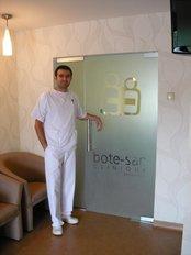 Dr Daniel Dumitrescu - Dentist at Bote-San Clinique