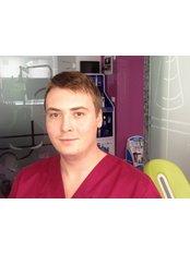 Adrian DONDAS - Principal Dentist at Uzina de Zambete