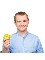 Dr Kirill AKSENOV - Dentist at Dental Clinic of European Medical Center